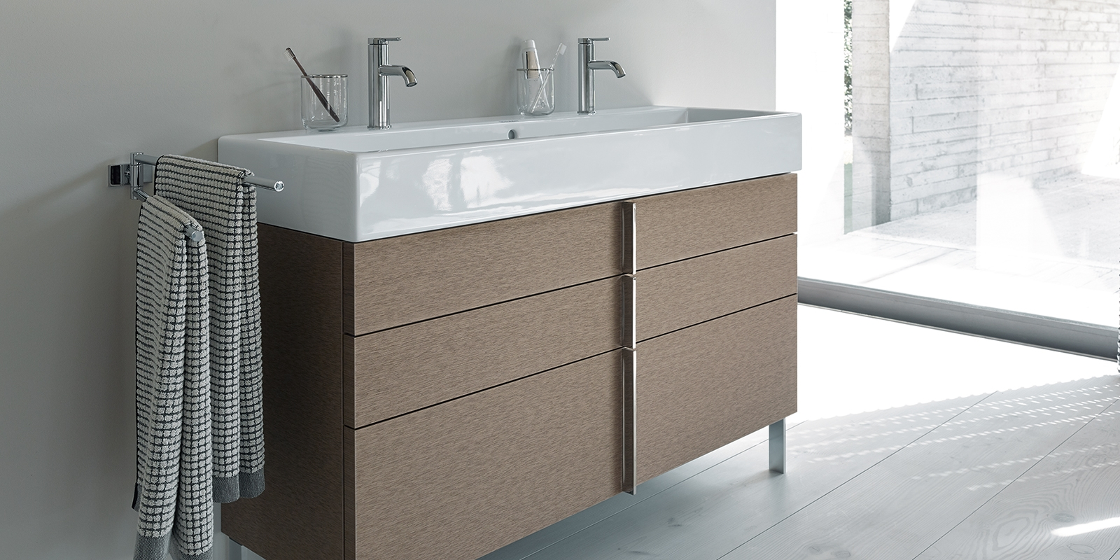 DURAVIT Vero Air Vanity Unit at xTWOstore