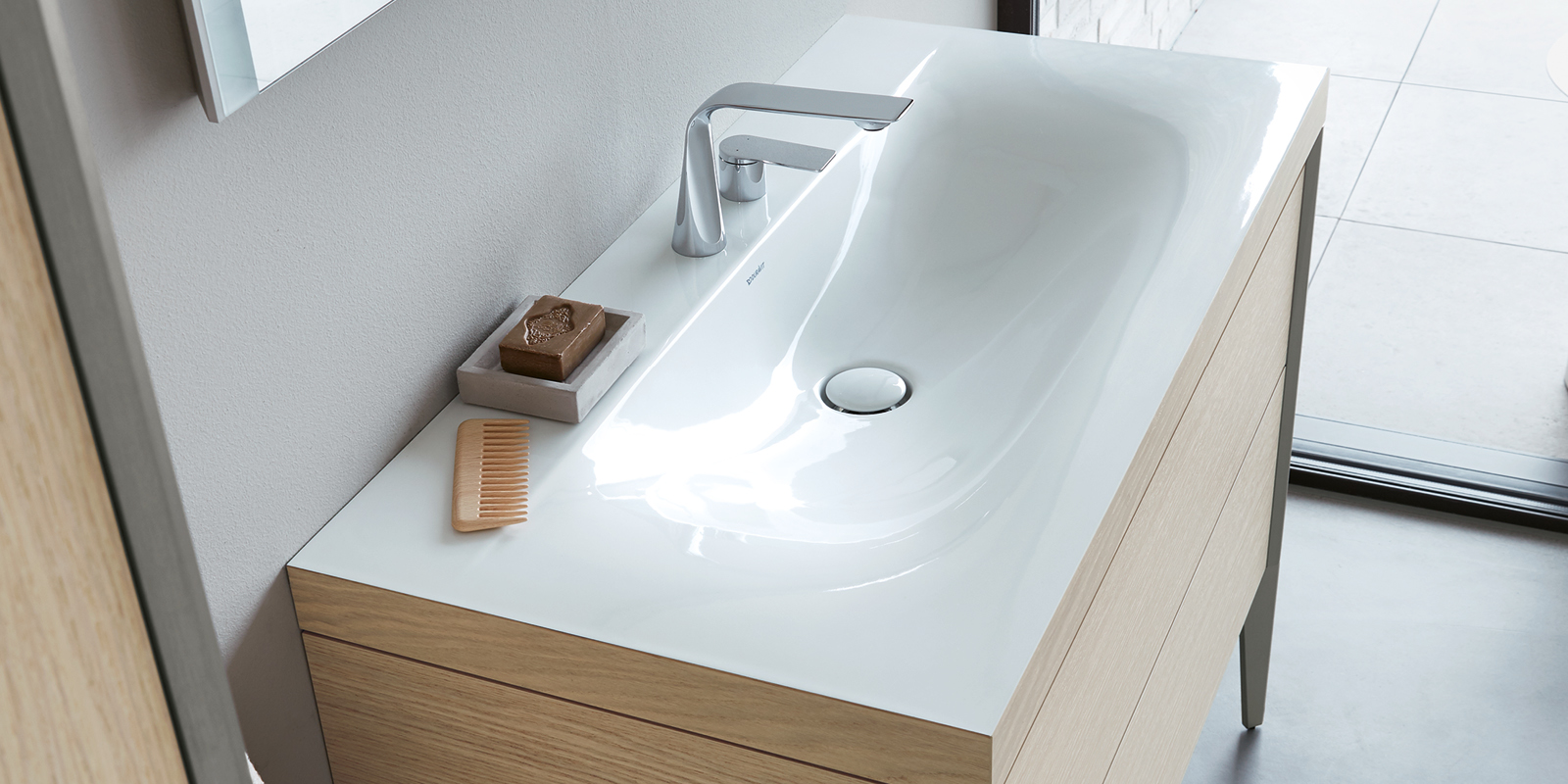 Duravit Viu Furniture Washbasin at xTWOstore
