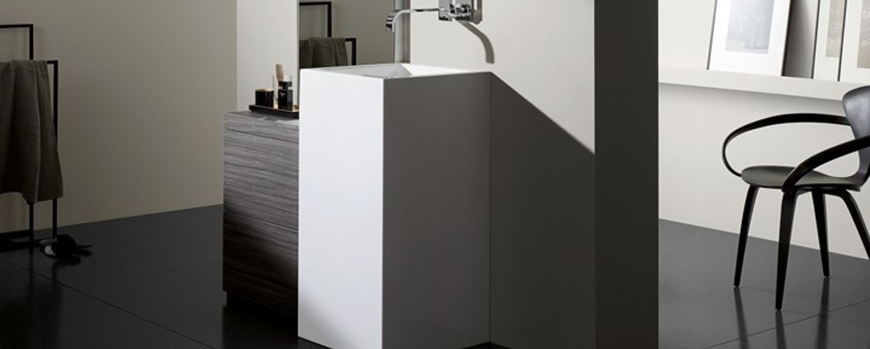 Standing washbasins