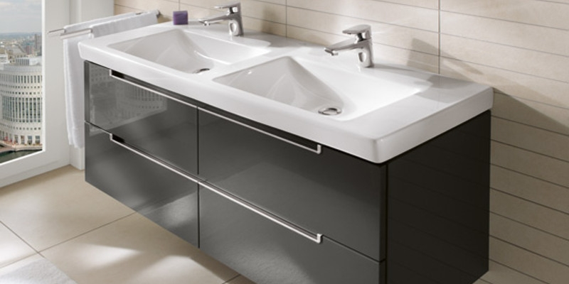 Villeroy & Boch Subway 2.0 Wash Basin and Vanity Unit at xTWOstore